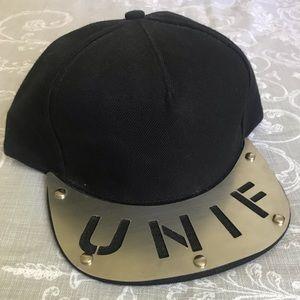 UNIF metal-brim snapback hat